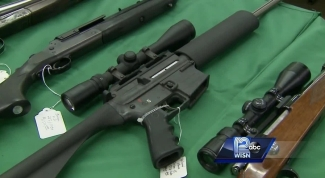 40112808-img-gun-show-lawmakers-weigh-in-on-gun-control-debate