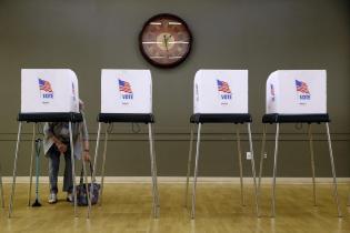 AP Patrick Semansky - Voting polling place